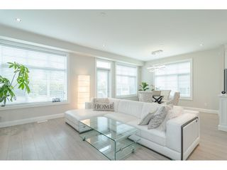 """Photo 7: 16 19938 70 Avenue in Langley: Willoughby Heights Townhouse for sale in """"CREST"""" : MLS®# R2493488"""
