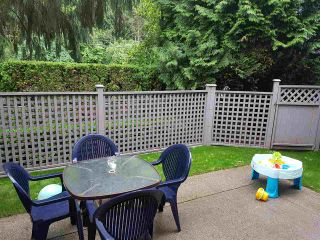 """Photo 14: 122 16233 82ND Avenue in Surrey: Fleetwood Tynehead Townhouse for sale in """"The Orchard"""" : MLS®# R2174278"""