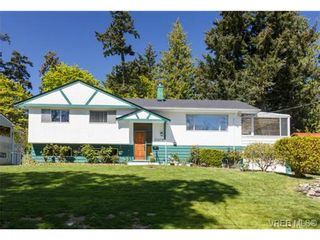 Photo 1: 10478 Allbay Rd in SIDNEY: Si Sidney North-East House for sale (Sidney)  : MLS®# 698704