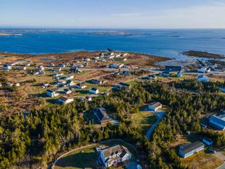 Photo 2: 74 Woodland Street in Clark's Harbour: 407-Shelburne County Residential for sale (South Shore)  : MLS®# 202109109