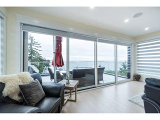 """Photo 11: 1105 JOHNSTON Road: White Rock House for sale in """"Hillside"""" (South Surrey White Rock)  : MLS®# R2577715"""
