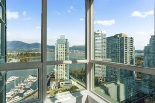 """Photo 3: 2204 555 JERVIS Street in Vancouver: Coal Harbour Condo for sale in """"Harbourside Park"""" (Vancouver West)  : MLS®# R2544198"""