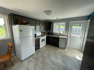 Photo 3: 5586 Prospect Road in New Minas: 404-Kings County Residential for sale (Annapolis Valley)  : MLS®# 202117141