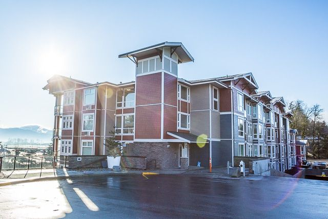 Main Photo: #209 2242 Whatcom Rd. in Abbotsford: Abbotsford East Condo for rent