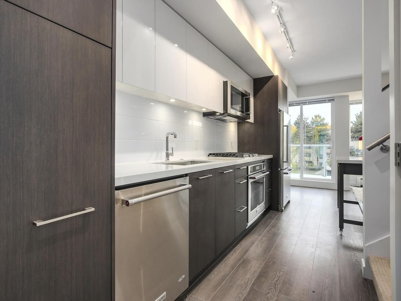 """Photo 6: Photos: 604 417 GREAT NORTHERN Way in Vancouver: Mount Pleasant VE Condo for sale in """"CANVAS"""" (Vancouver East)  : MLS®# R2118078"""