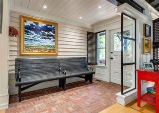 Photo 2: 24 Kelvin Place SW in Calgary: Kingsland Detached for sale : MLS®# A1115171