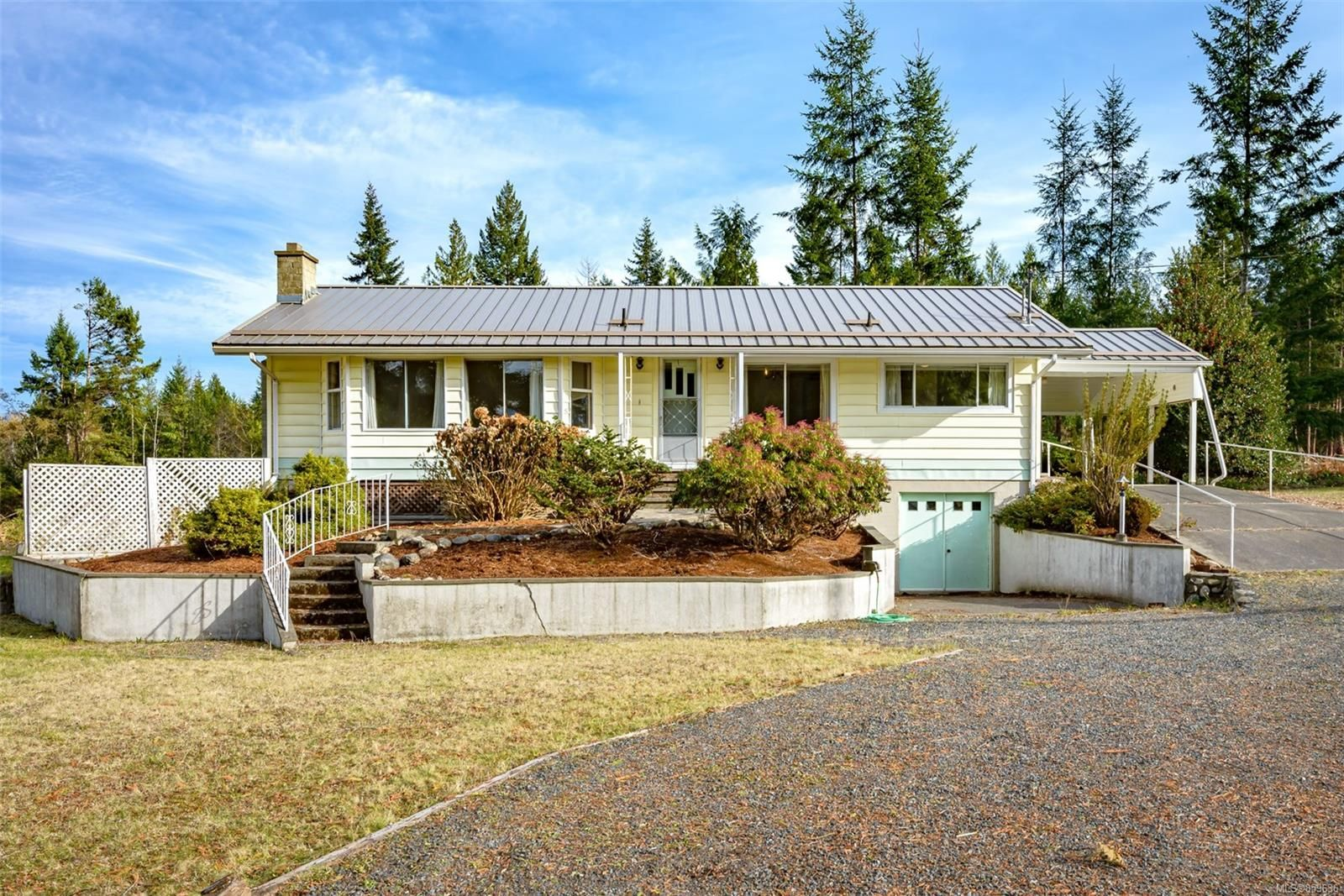 Main Photo: 421 Boorman Rd in : PQ Qualicum North House for sale (Parksville/Qualicum)  : MLS®# 859636