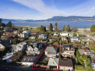 "Photo 1: 4530 BELMONT Avenue in Vancouver: Point Grey House for sale in ""Point Grey"" (Vancouver West)  : MLS®# R2440130"
