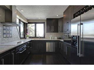 Photo 7: 19 828 COACH BLUFF Crescent SW in Calgary: 2 and Half Storey for sale : MLS®# C3563691
