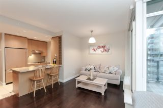 """Photo 6: 905 1468 W 14TH Avenue in Vancouver: Fairview VW Condo for sale in """"THE AVEDON"""" (Vancouver West)  : MLS®# R2457270"""