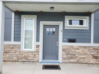 Photo 1: 1 46387 MARGARET Avenue in Chilliwack: Chilliwack E Young-Yale Townhouse for sale : MLS®# R2589281