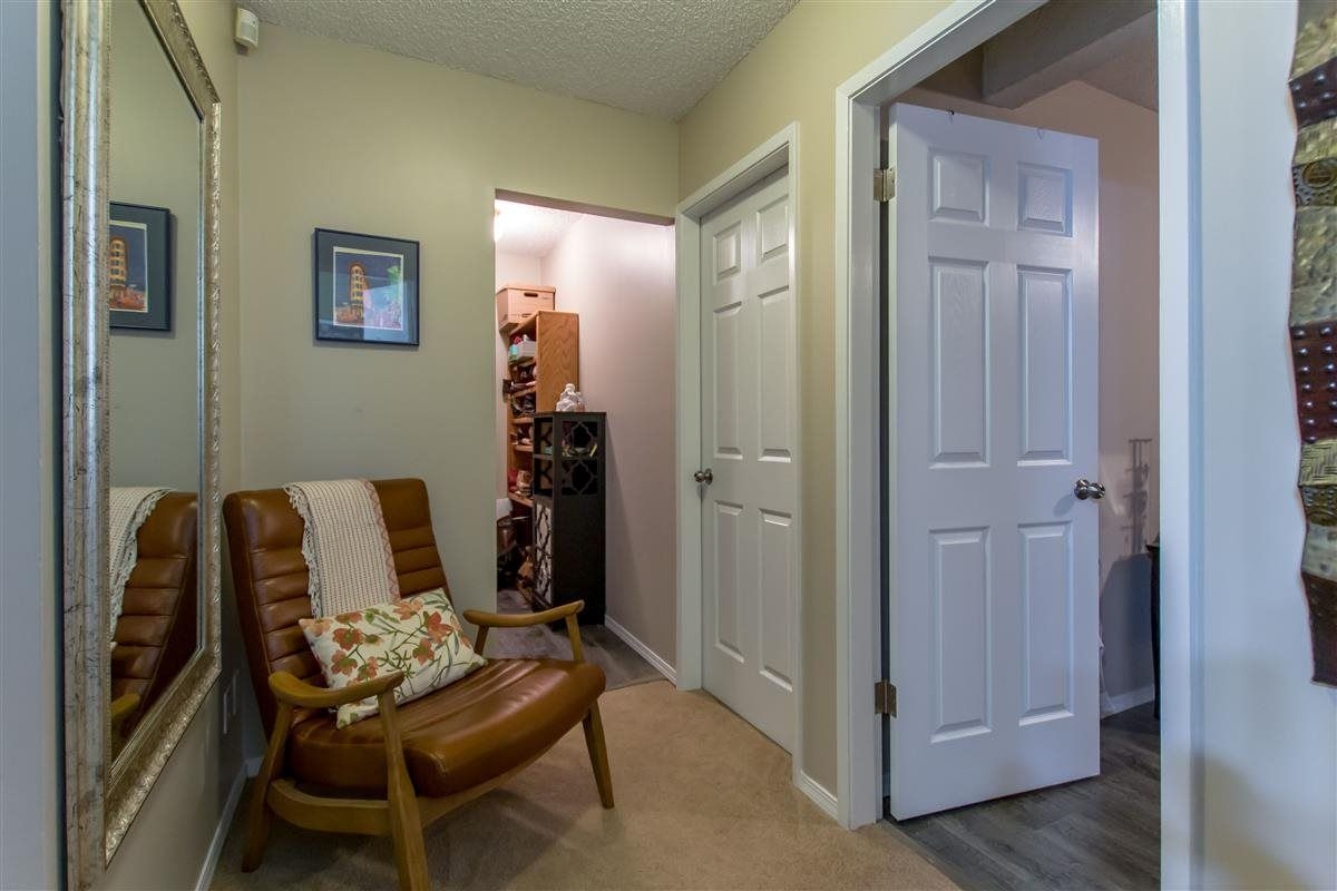 """Photo 15: Photos: 8918 CENTAURUS Circle in Burnaby: Simon Fraser Hills Townhouse for sale in """"Simon Fraser Hills"""" (Burnaby North)  : MLS®# R2347443"""