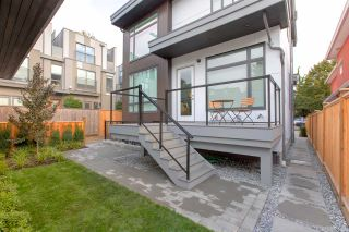 Photo 2: 481 E 16TH Avenue in Vancouver: Mount Pleasant VE 1/2 Duplex for sale (Vancouver East)  : MLS®# R2354193