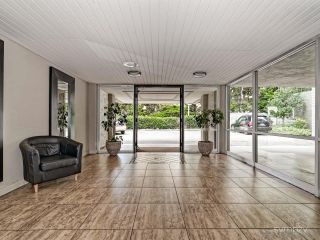 Photo 5: LA JOLLA Condo for rent : 1 bedrooms : 2510 TORREY PINES RD #312