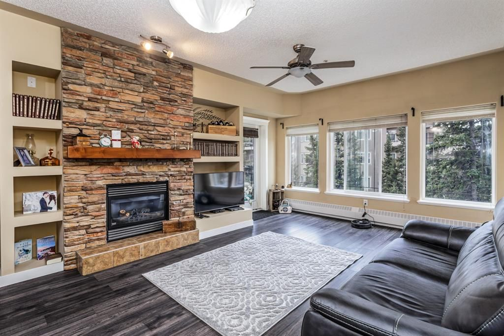 Main Photo: 402 20 Discovery Ridge Close SW in Calgary: Discovery Ridge Apartment for sale : MLS®# A1096409