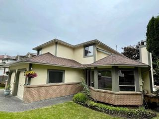 Photo 3: 2982 CHRISTINA Place in Coquitlam: Coquitlam East House for sale : MLS®# R2616708
