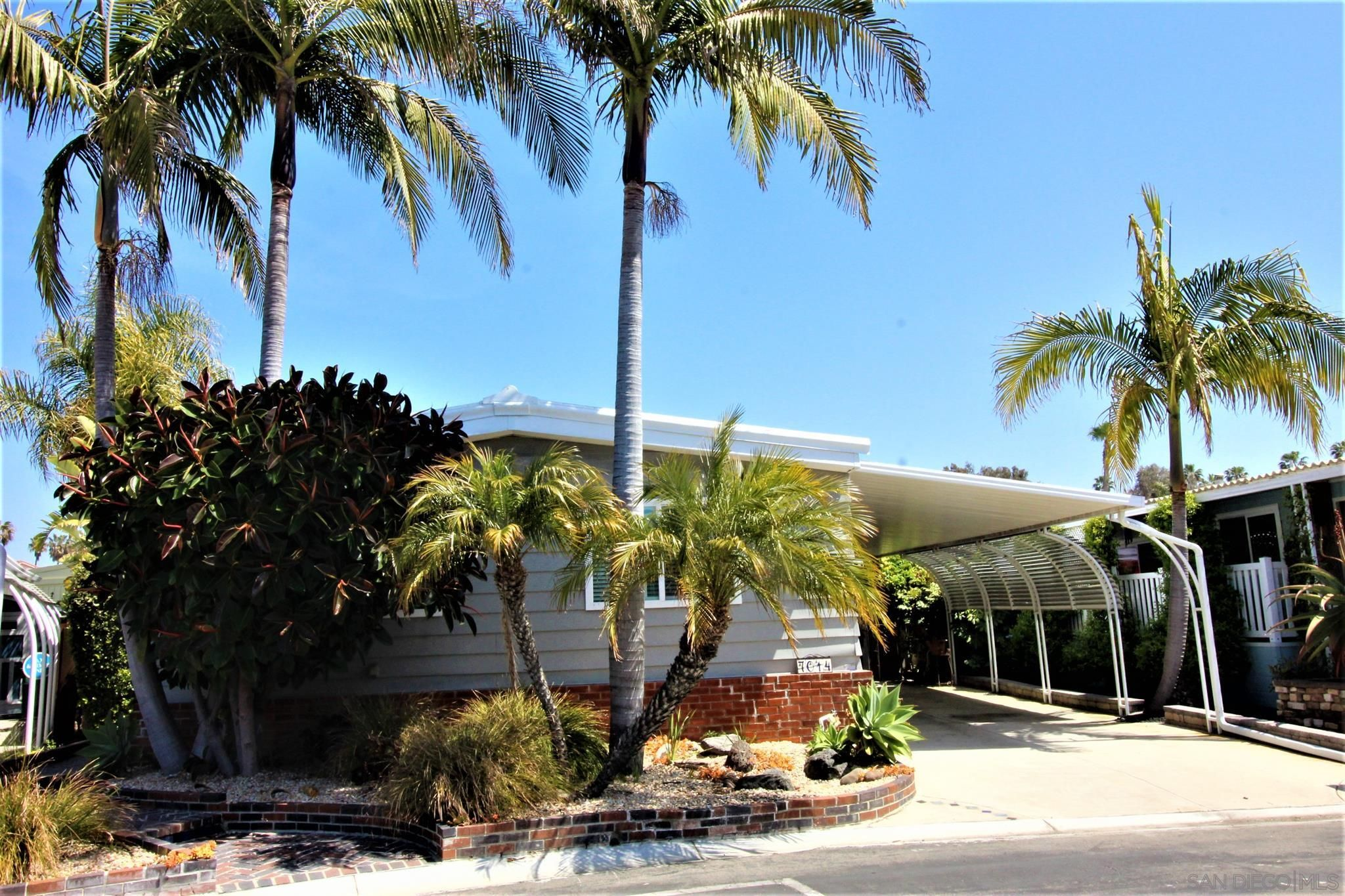 Main Photo: CARLSBAD WEST Manufactured Home for sale : 2 bedrooms : 7014 San Carlos St #62 in Carlsbad