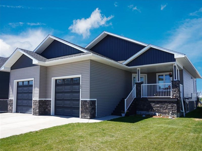 FEATURED LISTING: 12 Wigham Close Olds