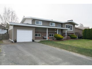 Photo 2: 7064 SHEFFIELD Way in Sardis: Sardis East Vedder Rd House for sale : MLS®# R2338603
