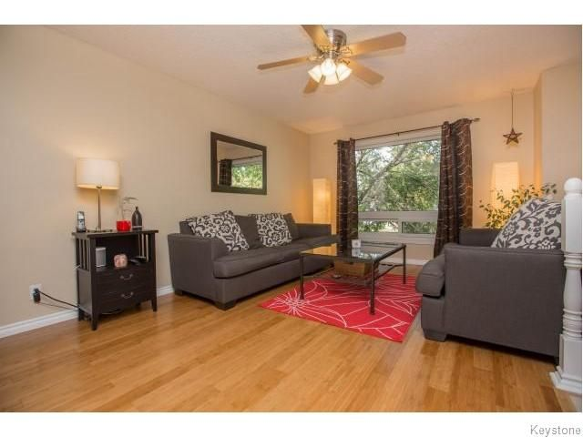 Photo 3: Photos: 9 Rillwillow Place in Winnipeg: Meadowood Residential for sale (2E)  : MLS®# 1623703