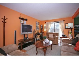 """Photo 4: 5 14171 104 Avenue in Surrey: Whalley Townhouse for sale in """"HAWTHORNE PARK"""" (North Surrey)  : MLS®# F1404162"""