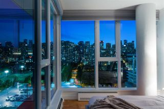 """Photo 3: 1901 188 KEEFER Street in Vancouver: Downtown VE Condo for sale in """"188 Keefer"""" (Vancouver East)  : MLS®# R2580272"""
