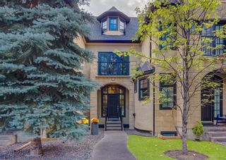 Main Photo: 212 12 Street NW in Calgary: Hillhurst Row/Townhouse for sale : MLS®# A1143005