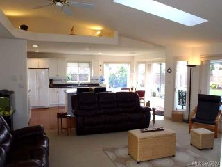 Photo 3: 780 Windward Pl in QUALICUM BEACH: PQ Qualicum Beach House for sale (Parksville/Qualicum)  : MLS®# 597524