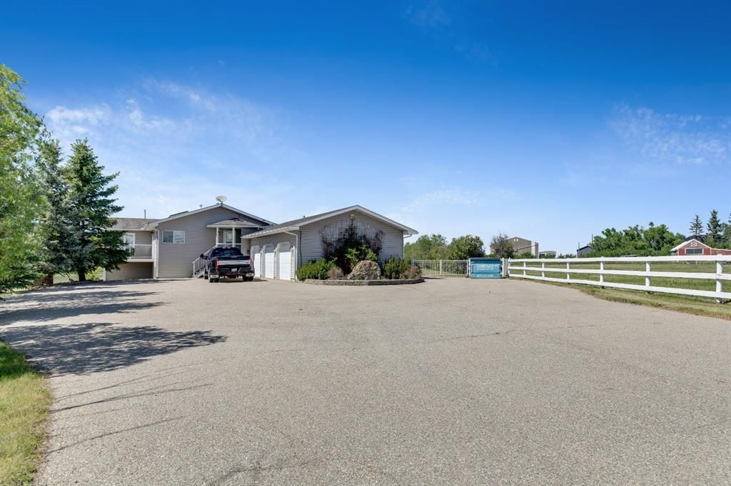 Main Photo: 282052 Township road 272 Road in Rural Rocky View County: Rural Rocky View MD Detached for sale : MLS®# A1120946