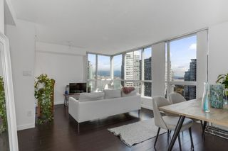 """Photo 10: 2204 555 JERVIS Street in Vancouver: Coal Harbour Condo for sale in """"Harbourside Park"""" (Vancouver West)  : MLS®# R2544198"""