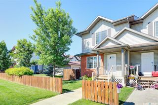 Photo 2: 28 135 Keedwell Street in Saskatoon: Willowgrove Residential for sale : MLS®# SK861368