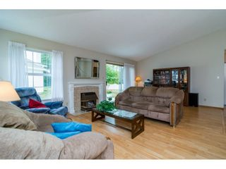 """Photo 5: 8 6537 138 Street in Surrey: East Newton Townhouse for sale in """"Charleston Green"""" : MLS®# R2105934"""