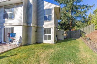 Photo 2: 300 32550 MACLURE Road in Abbotsford: Abbotsford West Townhouse for sale : MLS®# R2503591