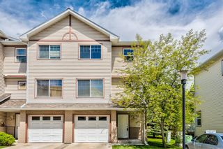 Main Photo: 34 Dover Mews SE in Calgary: Dover Row/Townhouse for sale : MLS®# A1120125