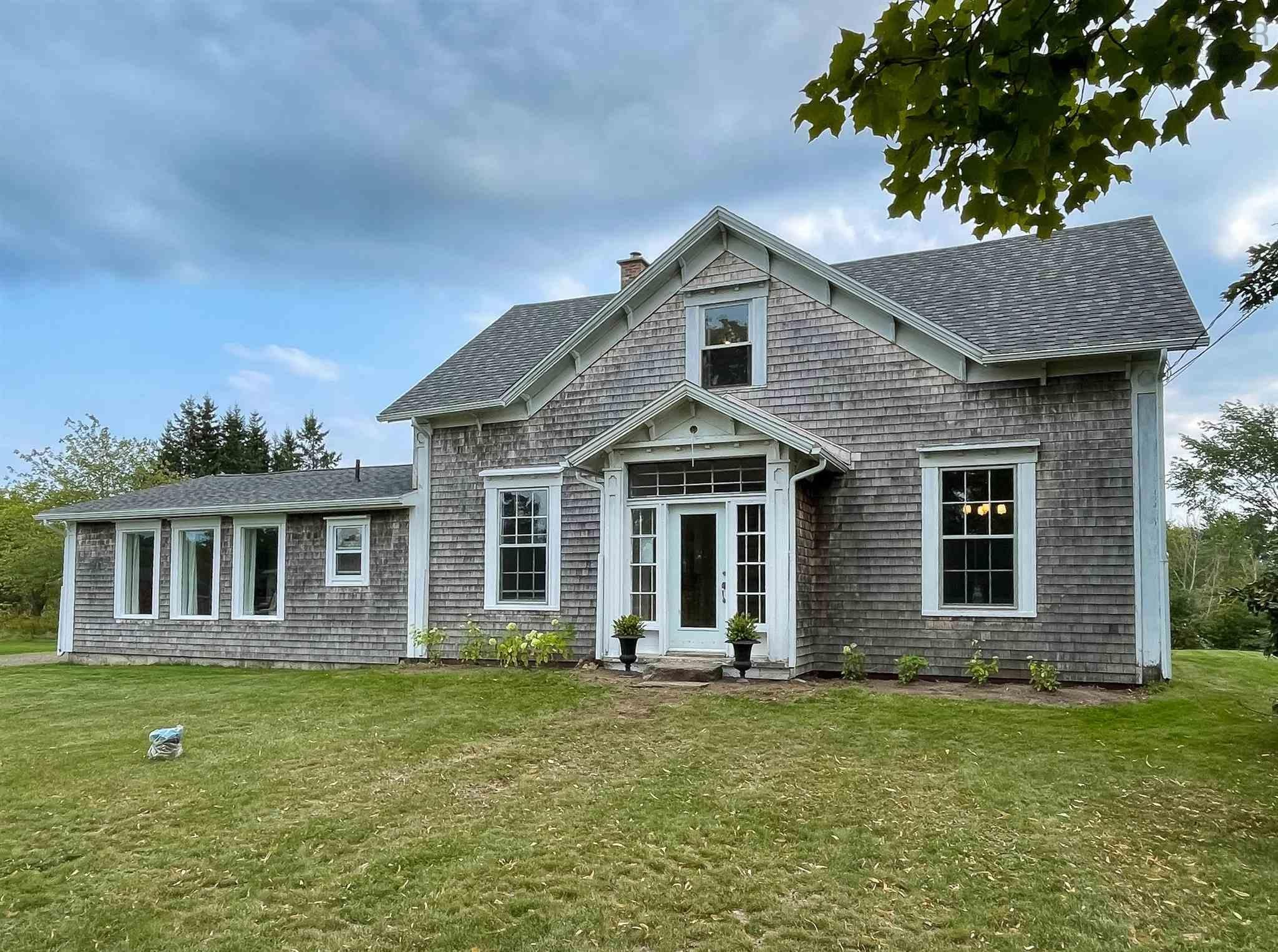 Main Photo: 3418 Highway 1 in Aylesford East: 404-Kings County Residential for sale (Annapolis Valley)  : MLS®# 202123831