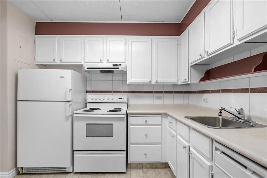Photo 7: Photos: 309 1600 Taylor Avenue in Winnipeg: River Heights South Condominium for sale (1D)  : MLS®# 202101594