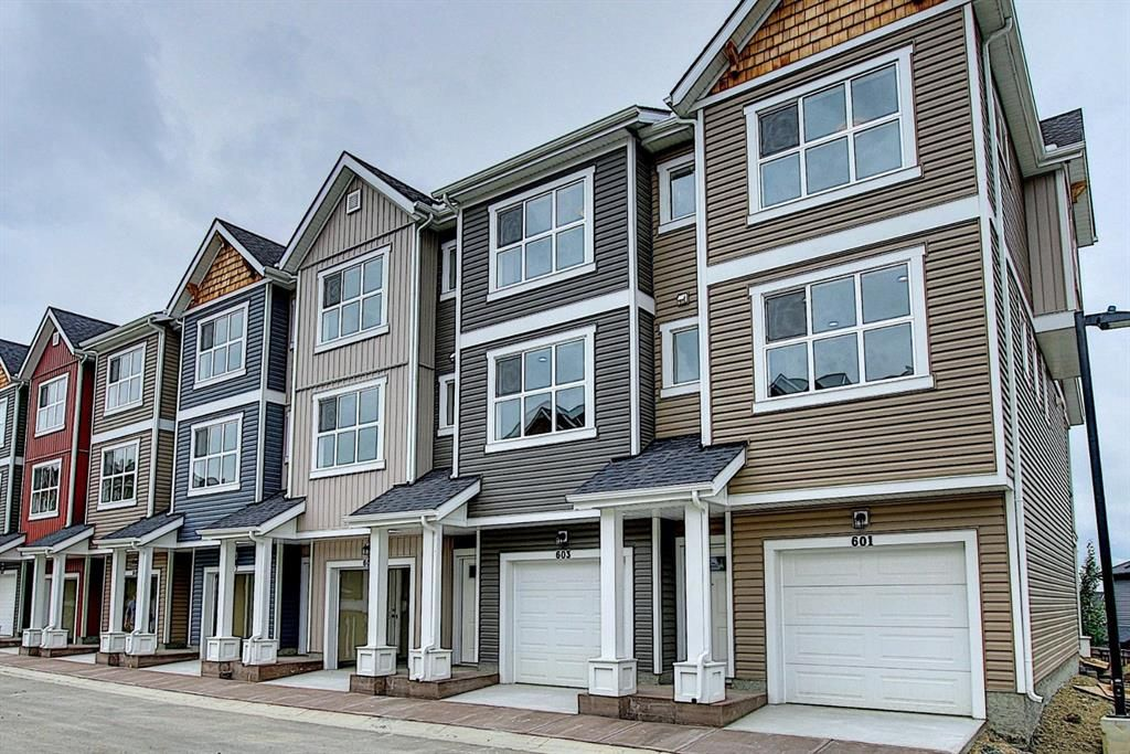 Main Photo: 603 355 Nolancrest Heights NW in Calgary: Nolan Hill Row/Townhouse for sale : MLS®# A1009680
