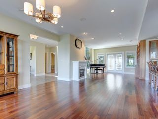 Photo 2: 708 Bossi Pl in : SE Cordova Bay House for sale (Saanich East)  : MLS®# 877928