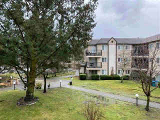 "Photo 12: 210 40120 WILLOW Crescent in Squamish: Garibaldi Estates Condo for sale in ""Diamondhead"" : MLS®# R2522991"