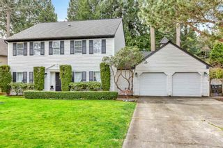 """Photo 1: 1887 AMBLE GREENE Drive in Surrey: Crescent Bch Ocean Pk. House for sale in """"Amble Greene"""" (South Surrey White Rock)  : MLS®# R2542872"""