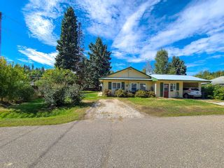 """Photo 3: 4278 FEHR Road in Prince George: Hart Highway House for sale in """"HART HIGHWAY"""" (PG City North (Zone 73))  : MLS®# R2615565"""