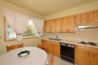 Photo 13: 27 Braden Crescent NW in Calgary: Brentwood House for sale : MLS®# C4191763
