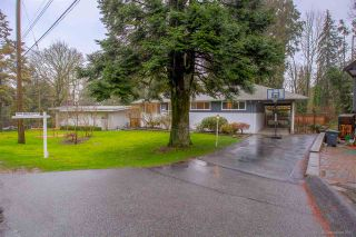 """Photo 2: 1381 CHINE Crescent in Coquitlam: Harbour Chines House for sale in """"Harbour Chines"""" : MLS®# R2262482"""