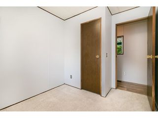 """Photo 18: 293 1840 160 Street in Surrey: King George Corridor Manufactured Home for sale in """"Breakaway Bays"""" (South Surrey White Rock)  : MLS®# R2616077"""
