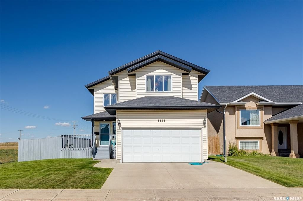 Main Photo: 3646 37th Street West in Saskatoon: Dundonald Residential for sale : MLS®# SK870636