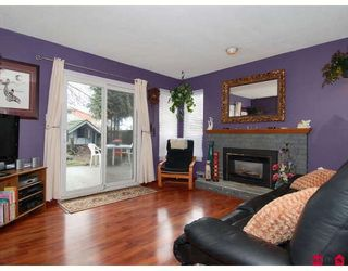 Photo 3: 7350 128B Street in Surrey: West Newton House for sale : MLS®# F2903482
