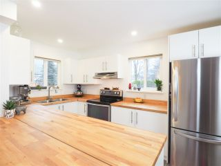 """Photo 6: 1 41449 GOVERNMENT Road in Squamish: Brackendale Townhouse for sale in """"Emerald Estates"""" : MLS®# R2431358"""