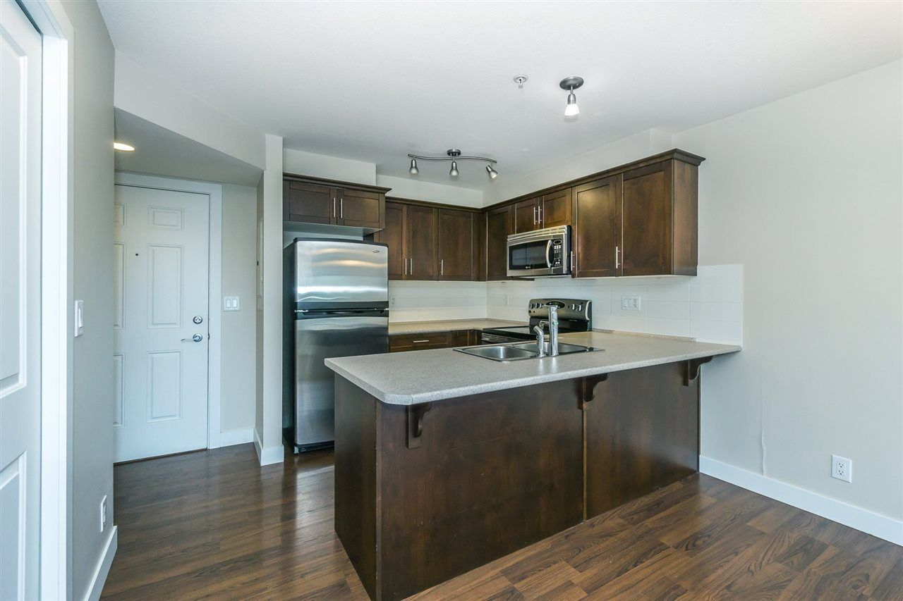 """Photo 3: Photos: 115 46150 BOLE Avenue in Chilliwack: Chilliwack N Yale-Well Condo for sale in """"Newmark"""" : MLS®# R2286501"""