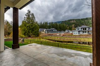 """Photo 19: 13 1885 COLUMBIA VALLEY Road: Lindell Beach House for sale in """"AQUADEL CROSSING"""" (Cultus Lake)  : MLS®# R2434901"""