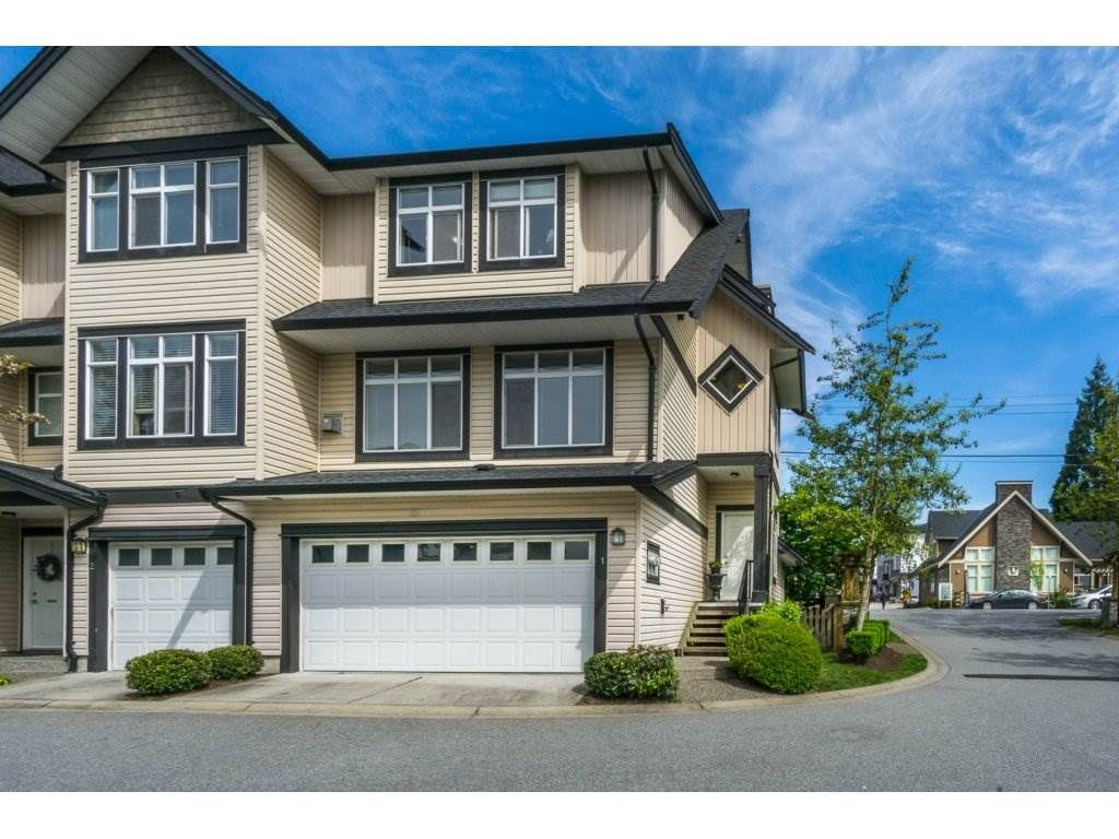 """Main Photo: 1 19932 70 Avenue in Langley: Willoughby Heights Townhouse for sale in """"SUMMERWOOD"""" : MLS®# R2162359"""